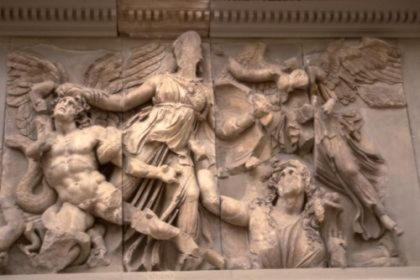 Гиганты   великаны чудовища, потомки Урана, восставшие против богов и потерпевшие поражение