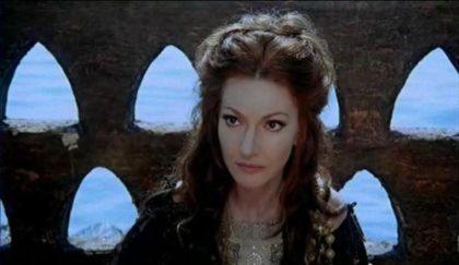 Главка, коринфская царевна, получившая от Медеи в подарок роковой обруч