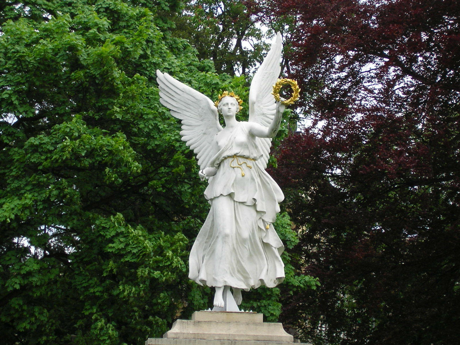 Статуябогине виктории
