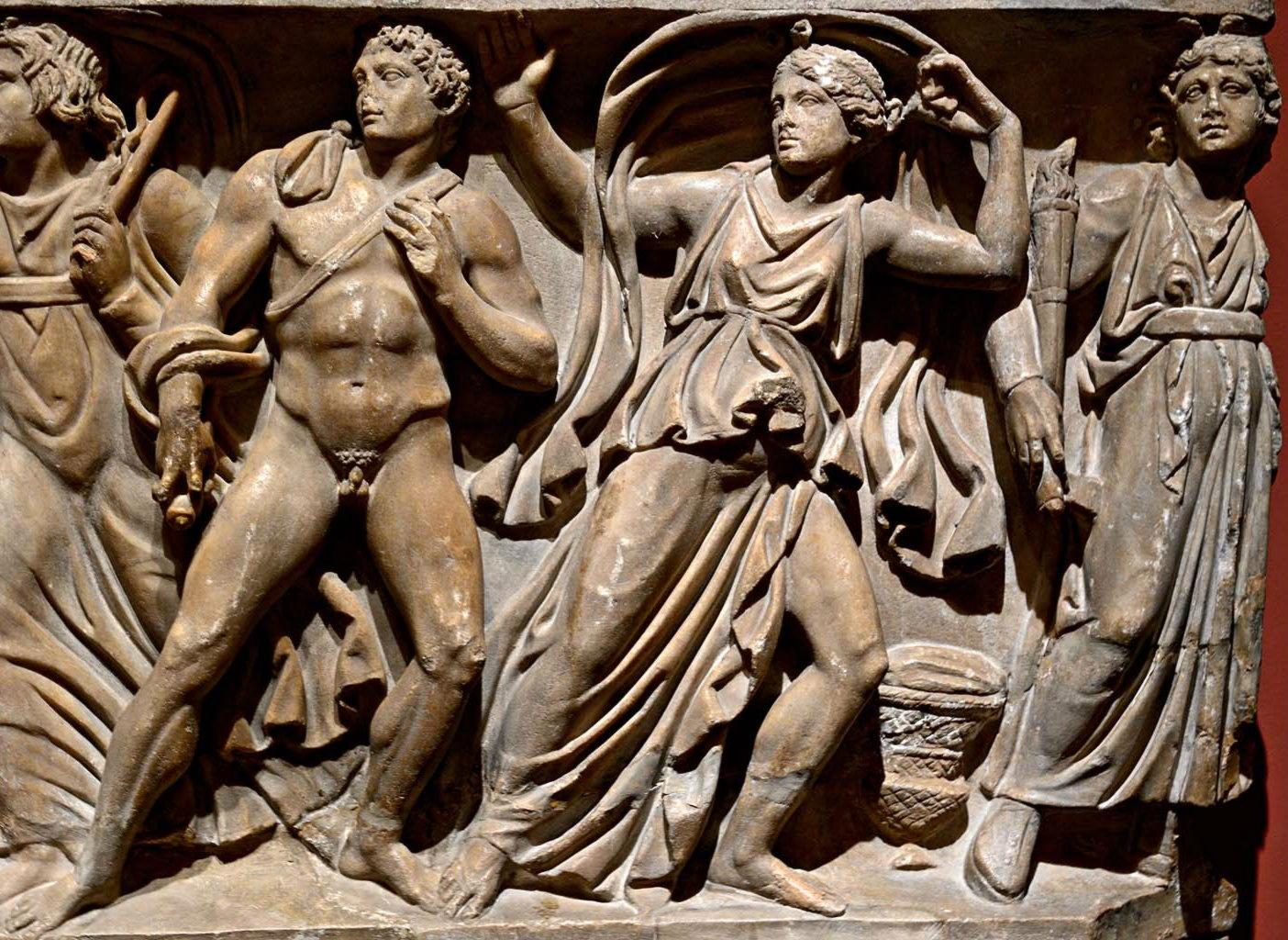 деталь рельефа «Орест убивает Эгиста и Клитемнестру