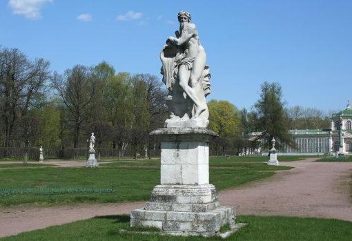 Скульптурная аллегория бога реки Скамандр