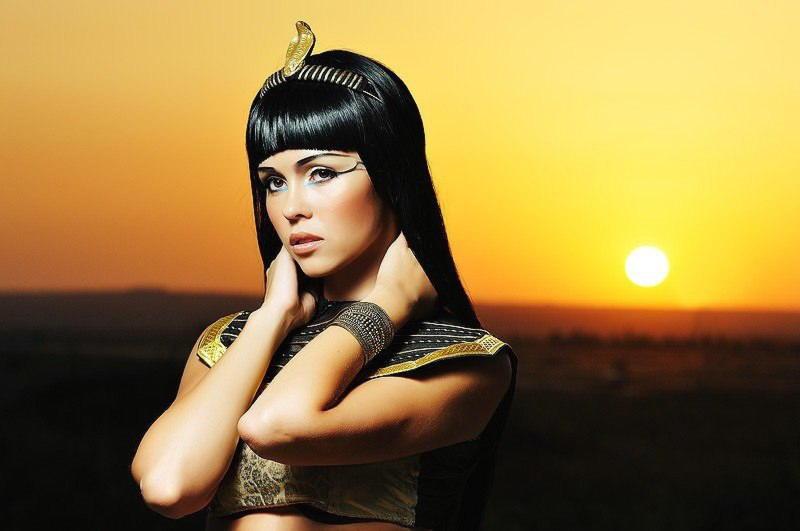 Секс царицы клеопатры
