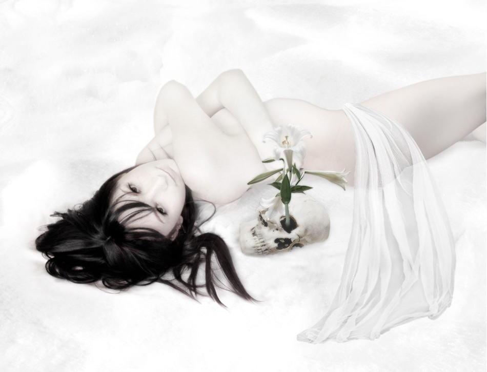yuki_onna_by_scorpiondeathlock