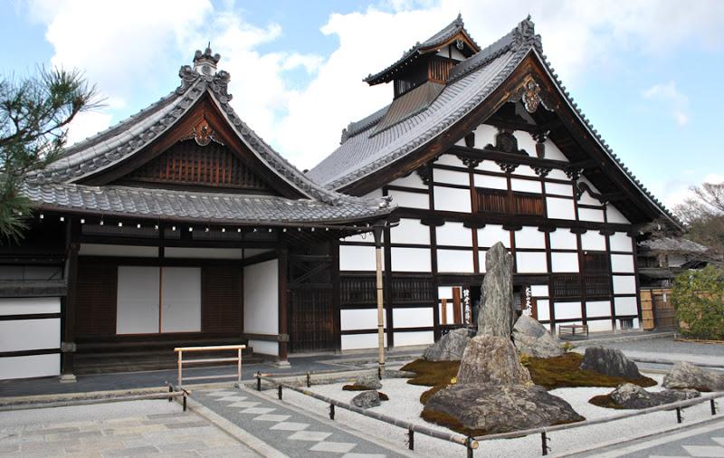 Храм Небесного Дракона. Япония