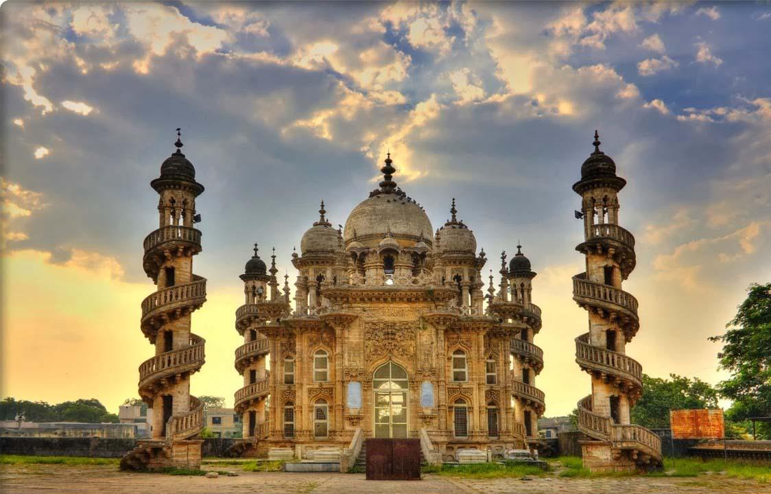 Сомнатх — один из древнейших храмов Индии