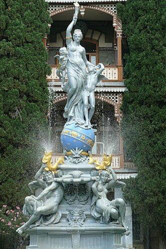 статуя никс