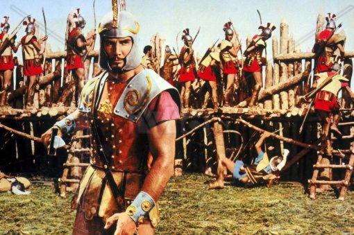 Эней, сын Афродиты, основатель Рима, спасшийся из Трои