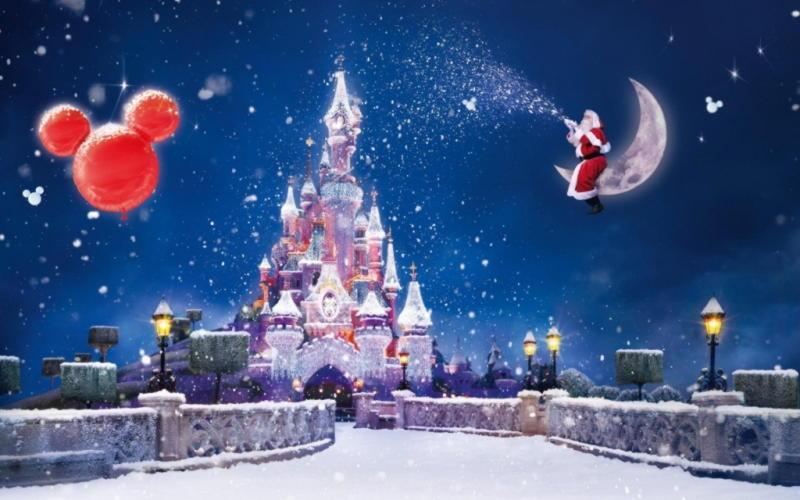 Christmas-Magic-Santa-Sitting-On-Moon-Giving-Gifts-HD-Wallpapers
